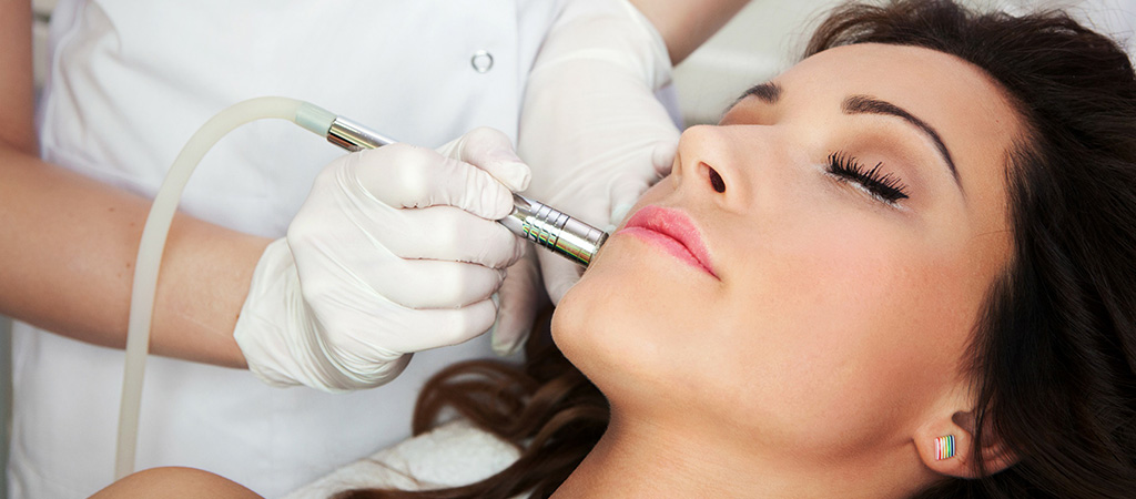 Microdermabrasion (peeling mécanique) | Institut Beauty